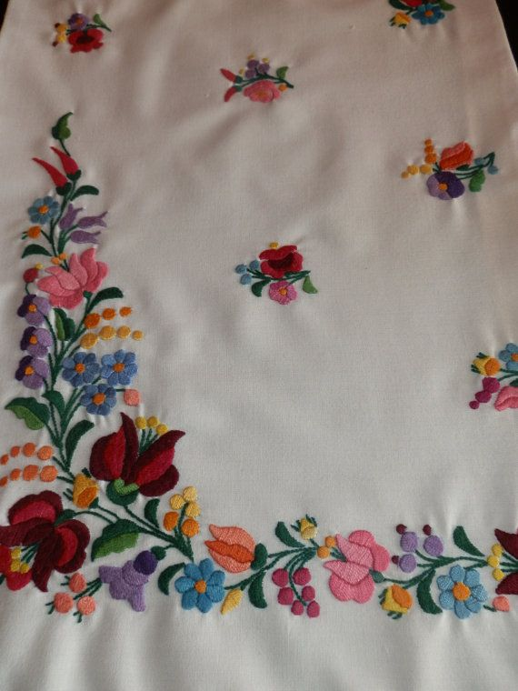 231 Best Kalocsai Images On Pinterest Hungarian Embroidery