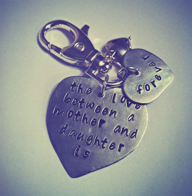 Aluminium triple heart mother and daughter keyring   £8     #gift #jewellery #craft #fashion #jewellery http://pict.com/p/Wj