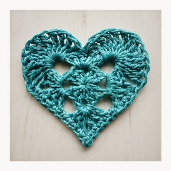 Granny Heart   by Crochet Tea Party    You can download this pattern on…
