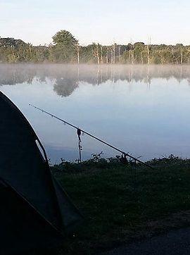 La location de notre gîte de pêche comprend l'exclusivité de pêche sur un étang de 18 ha. Beau cheptel de carpes, carnassiers,...