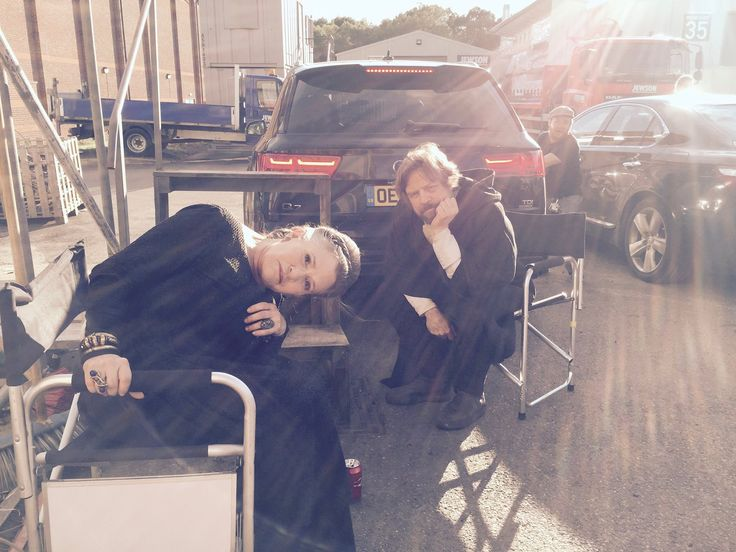 Carrie Fisher and Mark Hamill on the set of star Wars VIII. Photo published by Oscar Isaac on his page on Facebook