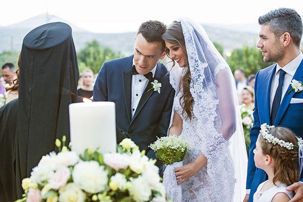 """Ένας παραμυθένιος γάμος πραγματικά με κάθε σημασία της λέξης! """"Ήταν η πριγκίπισσα μου, ήταν αυτό ακριβώς που ονειρευόμουν..."""" περιγράφει ο γαμπρός..."""