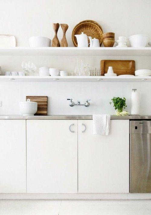 klassieke combi van wit, metaal en hout