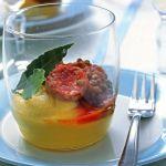 Con la famosa ricetta di Sale&Pepe delle festività natalizie a base di lenticchie, polenta e cotechino la tua tavola sarà un successo al passo con la tradizione.