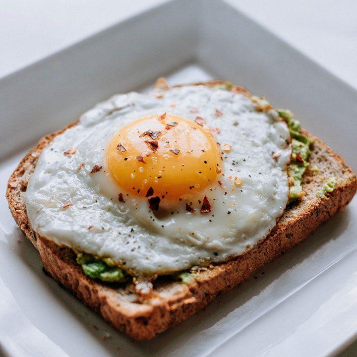 Los 10 Alimentos Que Evitan La Caída Del Cabello Stylelovely Desayunos Nutritivos Comida Saludable Desayuno Desayuno Dieta