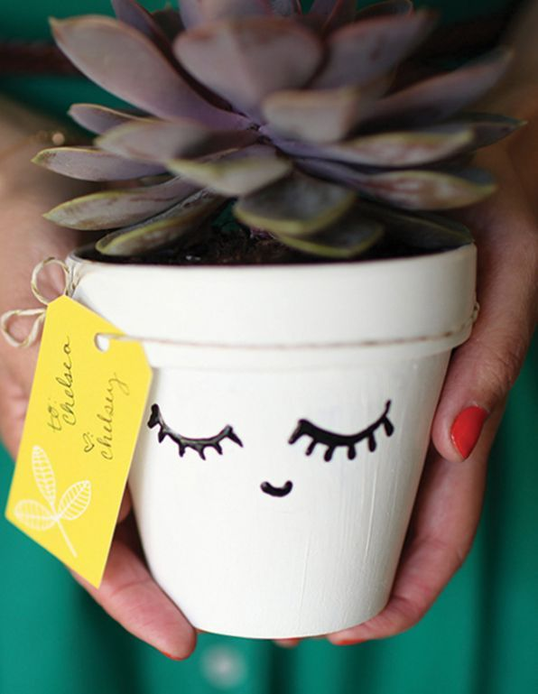 10 DIY Gifts To Make Your Girlfriends (That You Can Make for $10 or Less!)
