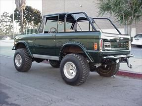 Early Vintage Classic Ford Broncos for sale, 1966, 1967, 1968, 1969, 1970, 1971, 1972, 1973, 1974, 1975, 1976 1977 Bronco service, parts, accessories.