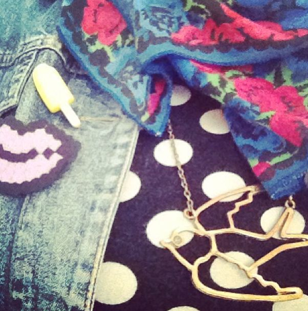 Yellow Ice Cream Pin / Bought at Broesj worn by Merel