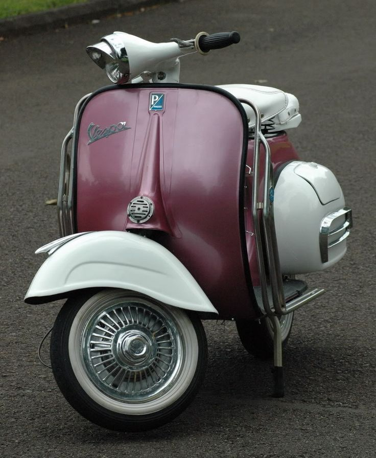 Vintage Vespa for Sale | Vintage 1965 Vespa VBB 150 Motor Scooter For Sale