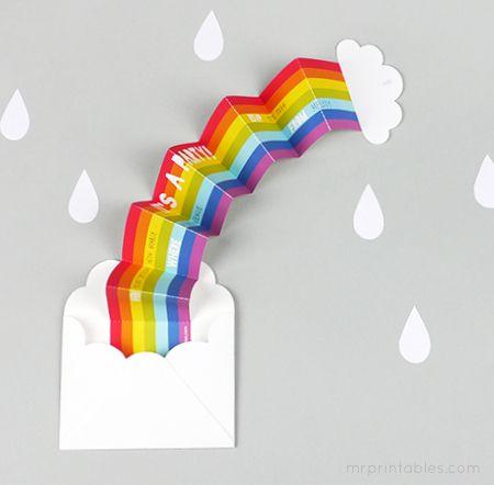 Uitnodiging voor een feestje in de vorm van een regenboog, leuk!