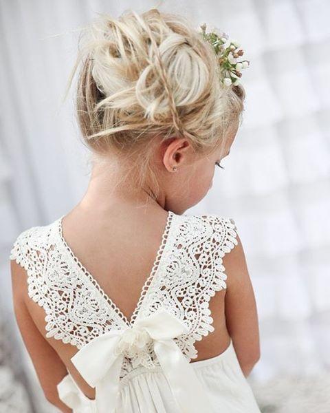 """227 Me gusta, 1 comentarios - BodaMás El Corte Inglés (@bodamas) en Instagram: """"Preciosos detalles para las niñas de arras. Vía @Pinterest #boda #bodas2017 #damitas #pajes…"""""""
