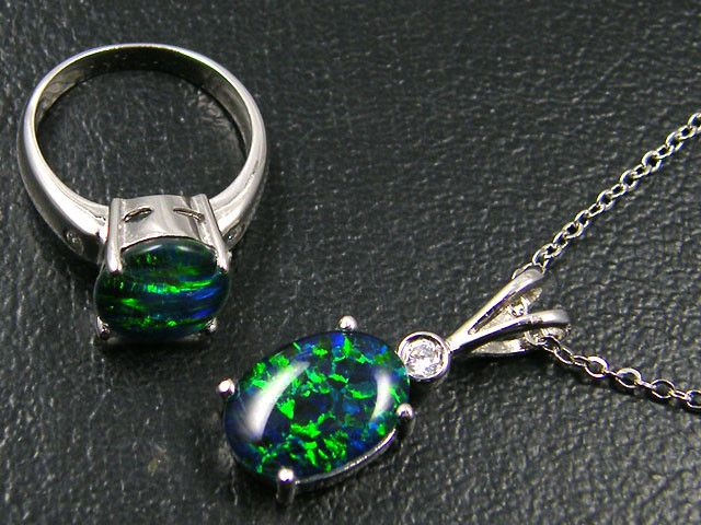 MATCHING OMI OPAL PENDANT AND RING SG 2369