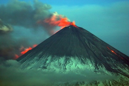 to what extent are volcanoes more Do volcanoes generate more greenhouse gas than humans is the rumor about volcanoes and greenhouse gases true not even close.