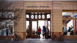 "Intalnire la muzeu cu Christoph Tannert, directorul ""Künstlerhaus Bethanien"" din Berlin"