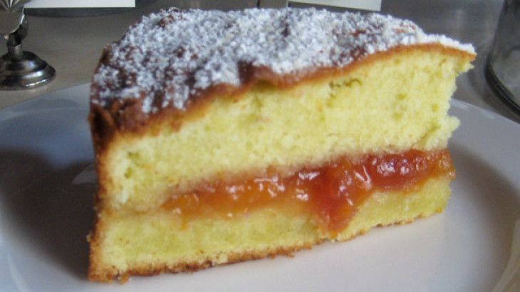 Almond Cake with Apricot Preserves