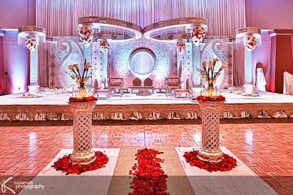 Indian wedding mandap white mandap #indianwedding, #shaadibazaar