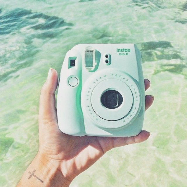 ✖ Mint green polaroid camera ✖
