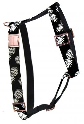the PINEAPPLE designer dog harness with rose gold colored hardware! Handmade in Germany - shipping worldwide. Shop: www.prunkhund.com