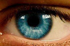 OK Guys!!  This is Asa Butterfield's  eye!!!!!  His real eyes!!!! OMGGGGG I love his eyes Soooooo  much <3