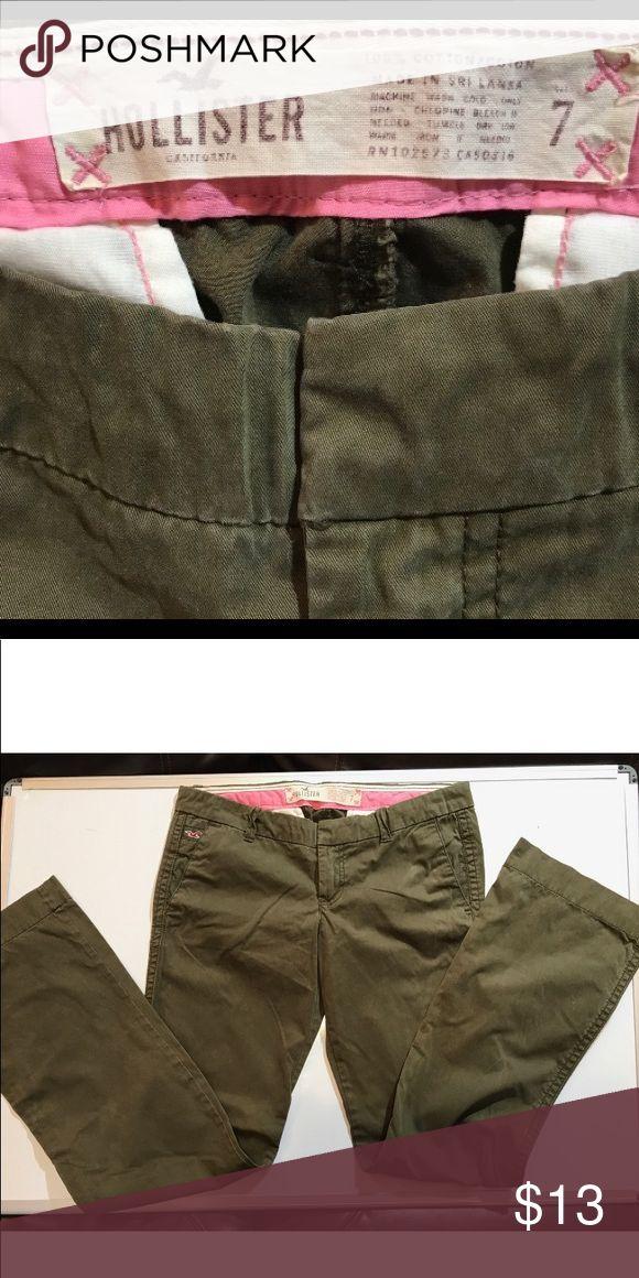 "🎈Hollister Khaki Trousers EUC green khakis, size 7, flare, 34"" waist, 33"" Length 100% cotton.  🐶🚭 Hollister Pants Boot Cut & Flare"