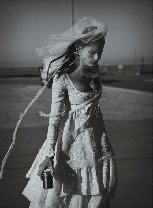 edgebykevinalvarado:  Isabeli Fontana by Peter Lindbergh for...