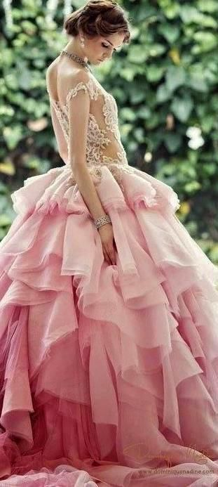 I want this dress and I want to go the Vienna Opera House to wear it at their annul ball. Only 100Euros