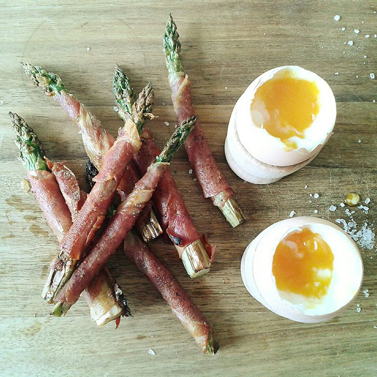 Prosciutto wrapped asparagus with boiled eggs