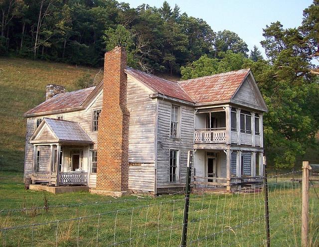 abandoned farm house in rural Virginia