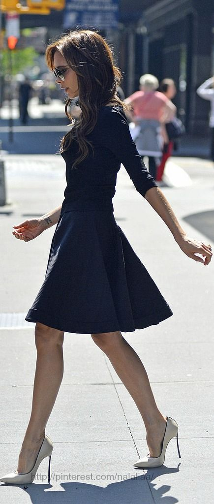 Street style - Victoria Beckham  .....................................  Get the look http://pinterest.com/nalaliaa/get-the-look/  My Style http://pinterest.com/annaann4/my-style/