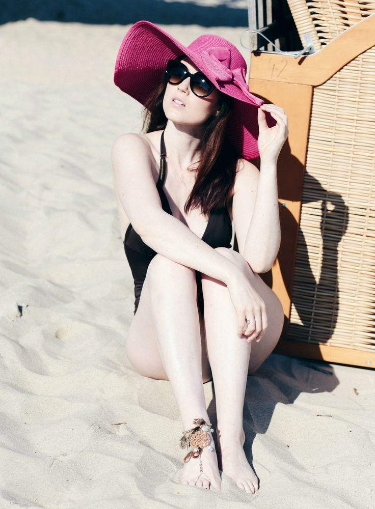 rosaner Strandhut, rosafarbener Schlapphut mit Schleife, schwarz weißer Strandhut, schöner Strandhut, Beach Wear, A day at the beach, Swimwear, Mode Blog, Fashion Blog, Like A Riot