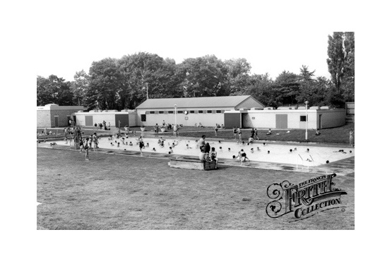 East Park, The Lido c1965, Hull