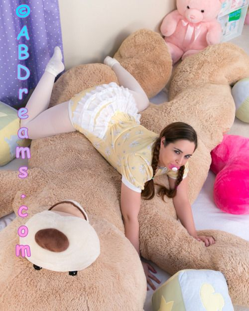 ausdpr:  badlilblubunny:  Just a baby and a giant teddy bear..    Find the complete photo set and video at Abreams.com. You know you want to!   (Plz don't remove my caption. Kthxbai.)  Wow, love the tights.