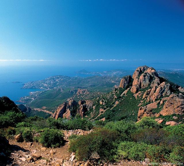 """Massif de l'Estérel, """"entrance"""" of the Côte d'Azur, (Alpes Maritimes dpt)"""