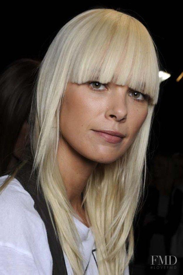 Photo of Dutch fashion model Dewi Driegen. ID 319162.