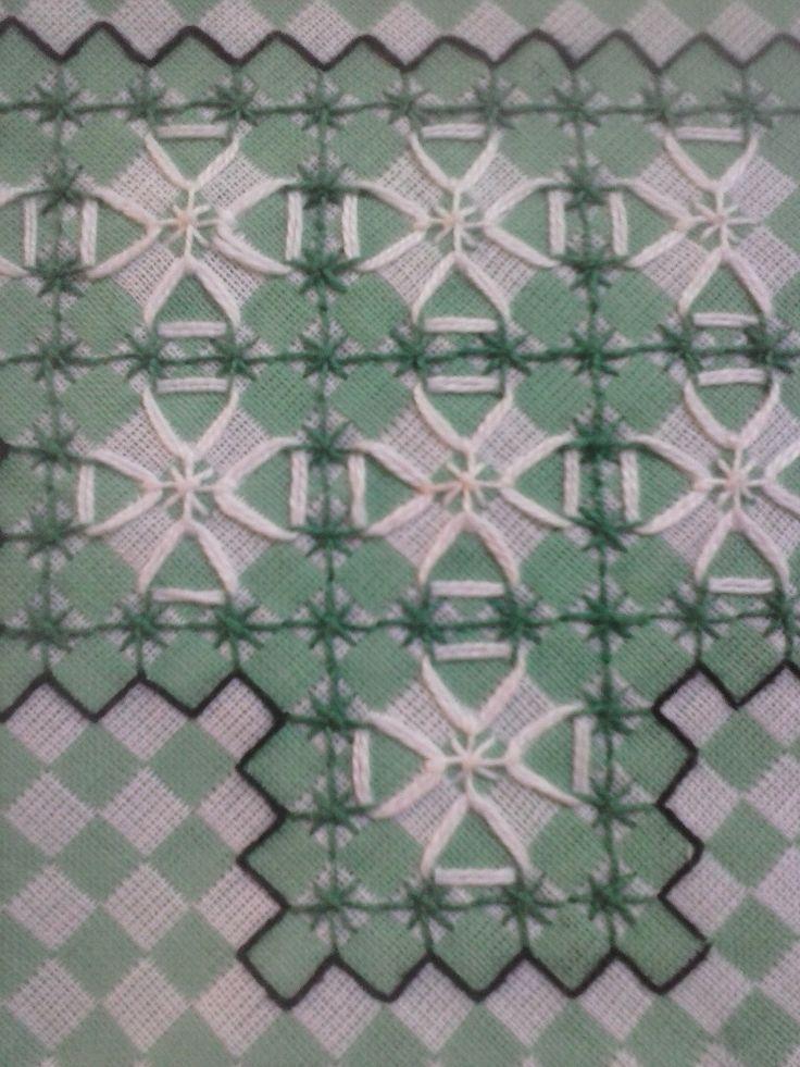 Bordado em tecido xadrez