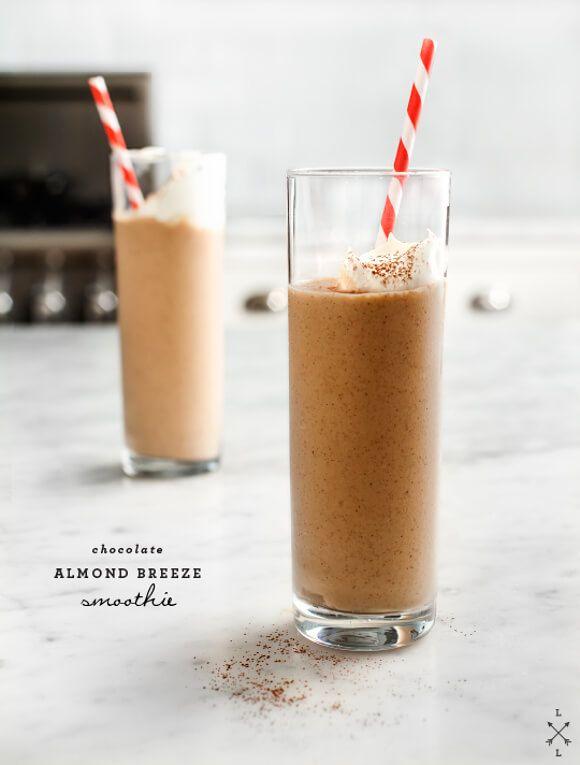 Chocolate Almond Breeze Smoothie - Rich & creamy chocolate smoothies made with banana and almond milk. Vegan and Gluten free.