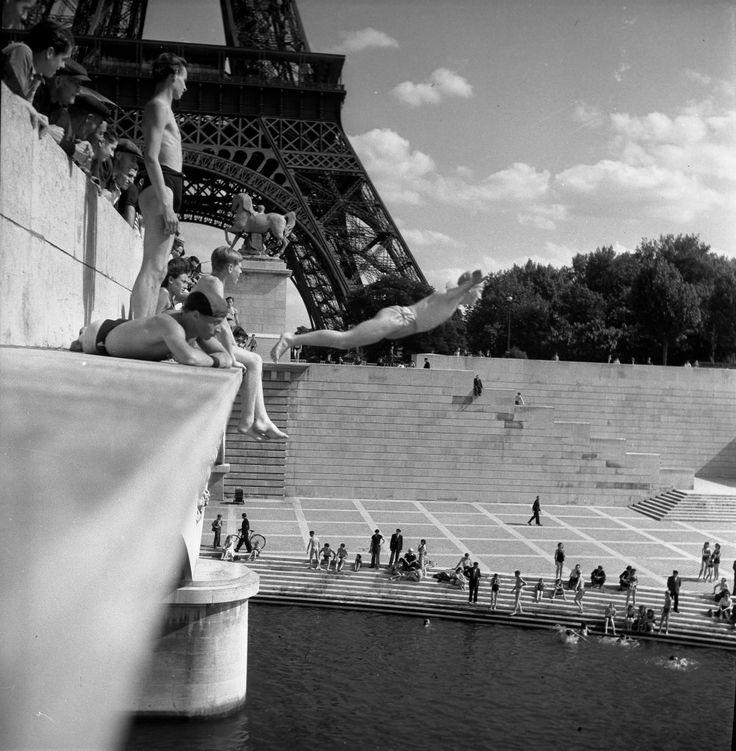 Robert Doisenau, Pont d'Iéna (1945). Copyright ® atelier Robert Doisneau
