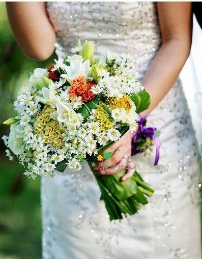 Wedding Flowers Crown Delicate wedding flowers fall pine cones.Wedding  Flowers Crown Robes. 441c9d38e