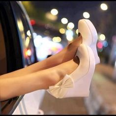 Crème Wedges with a bow on the side   [Shoe] Styles   Pinterest   Cute Shoes, Wedges and Hunt's