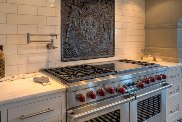 Sourced from fireback for Spanish style kitchen backsplash