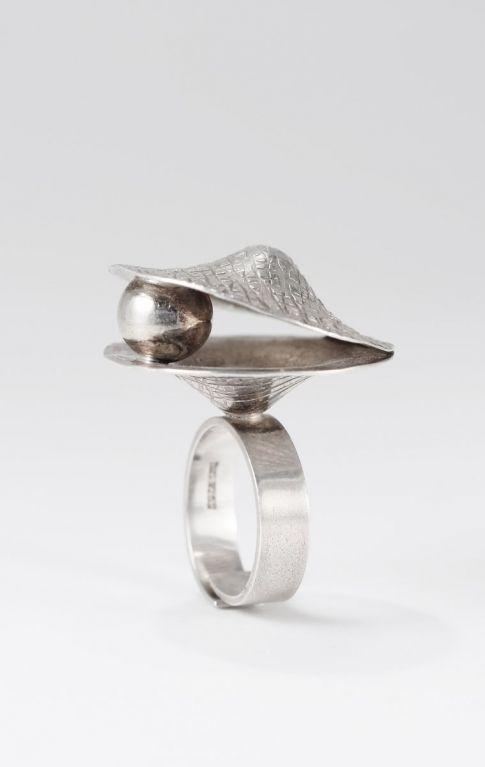 Elis Kauppi for Kupittaan Kulta, vintage silver ring, 1970's. #Finland | NordlingsAntik.com