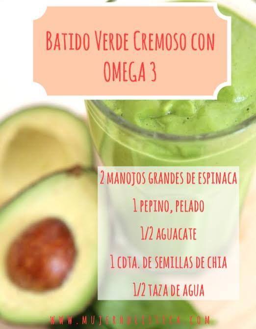 El pepino es hidratante, refrescante y alcalinizante. En este batido lo combinamos con el aguacate y semillas de chia. INSTRUCCIONES Licuar la espinaca con el pepino y el agua hasta que esté cremoso. Agregar el aguacate y las semillas de chia y terminar de licuar. http://retobatidos.com/batido-verde-cremoso-con-omega-3/