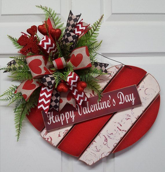 Valentines Door Hanger, Valentines Day Wall Hanger, Valentines Day, Happy Valentines Day Wood Wreath Hanger  Grab this out of the box and Hang in less than 5 miutes! Simple, but elegant, ready to hang Valentines Day Door Greeter!  Measures 22 Wide or across x 22 Long! Ready to ship