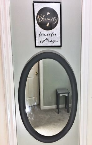 Grey is the favorite color for interior designers to transmit serenity and glamour, add a contemporary accent with this oval shape chalk painted wood mirror to reflect calmness and sophistication. #ChalkPainted#TrashToTreasure #upcycledFurniture #RedoMiror #repair #wood #gray#HomeDecor #ChalkPaint #ThanniaRodriguez