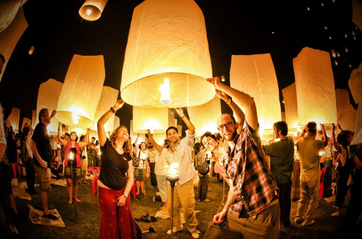 lantern - Google Search I want to set off a lantern one day with a bunch of friends.