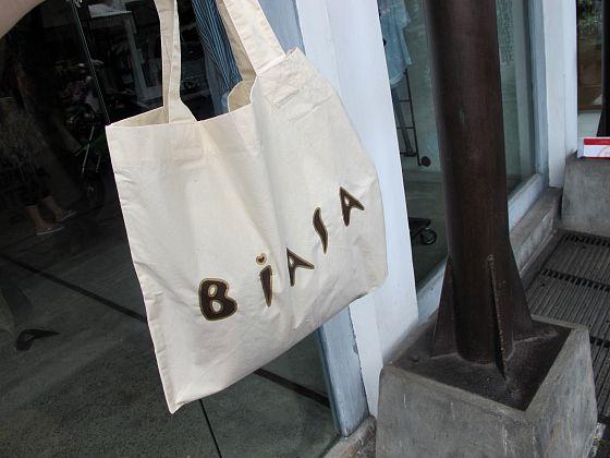Biasa   shopping   Bali   Tips for a Bali girls getaway