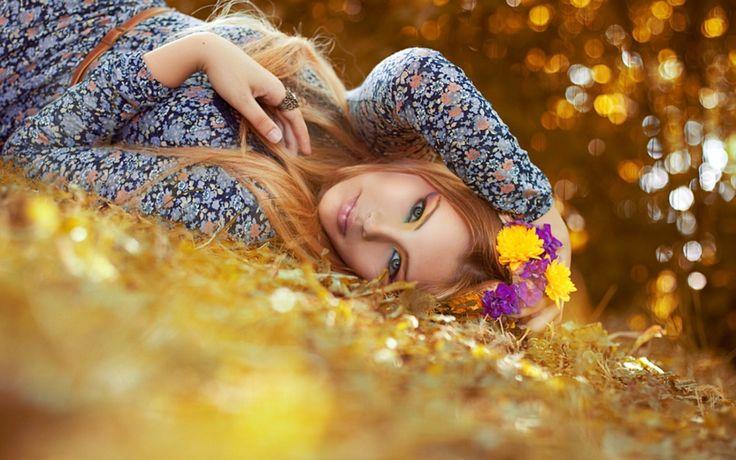 настроения, девушка, лицо, взгляд, осень. листья, цветочки, цветы, м кольцо, фон, обои