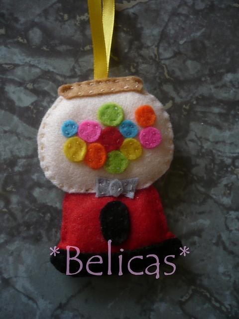 maquina das pastilhas by belicas, via Flickr