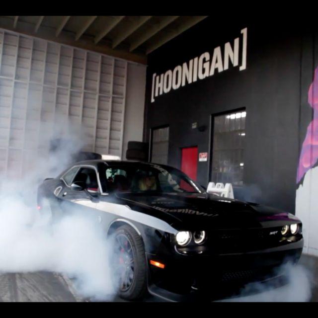 VIDEO: @LeahPritchettTF Baptizes SRT Hellcat @TheHoonigans Donut Garage! http://srtlife.com/2016/11/video-leahpritchetttf-baptizes-srt-hellcat-thehoonigans-donut-garage/