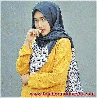 Inilah Model Hijab Pashmina Kombinasi Monochrome Cara Memakainya